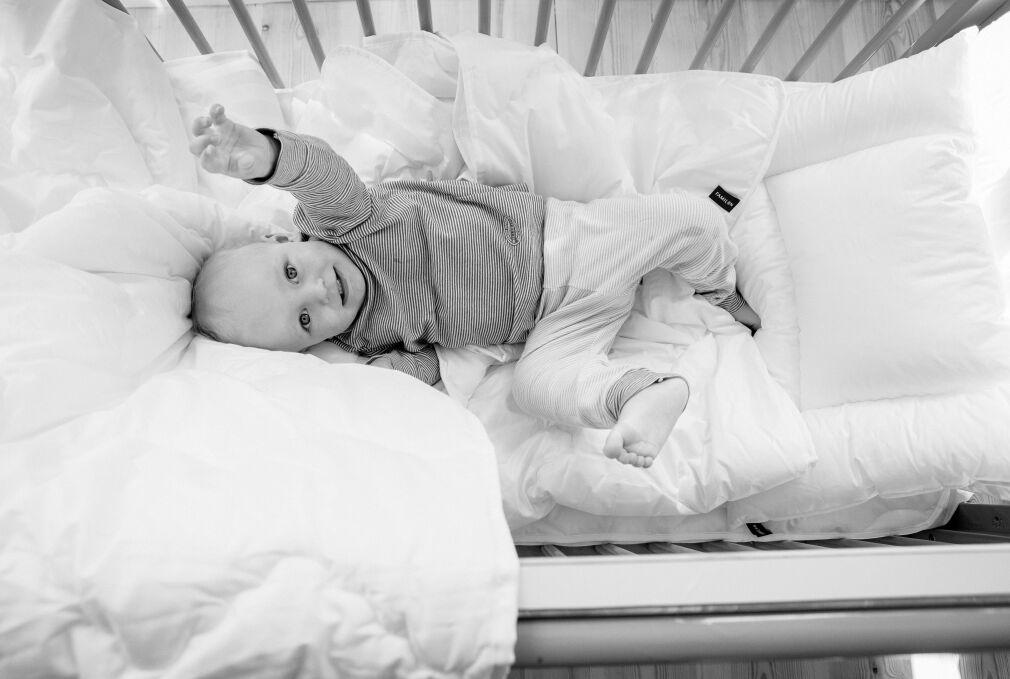 Familon Uni -patjansuojus vauvanpatjaan