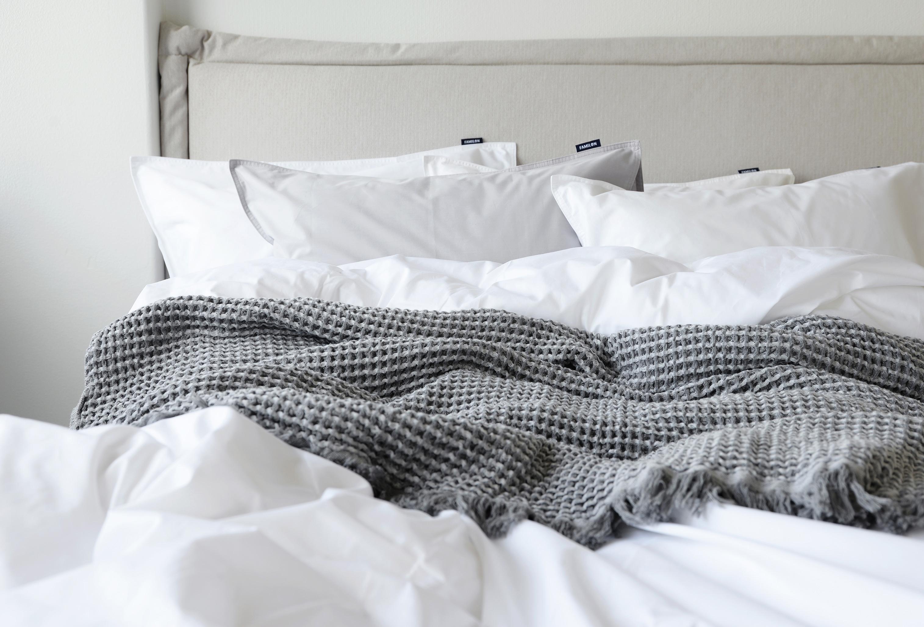 Uutta ilmettä makuuhuoneeseen edullisesti ja mukavasti - raikkailla pussilakanaseteillä