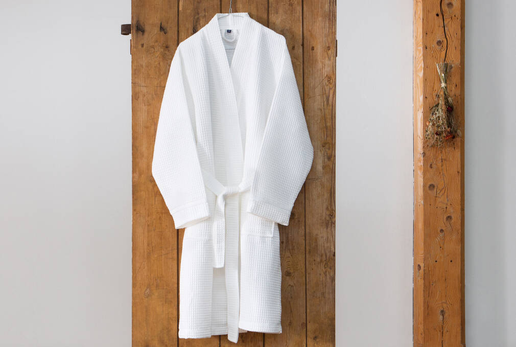 Familon waffle fabric bathrobe